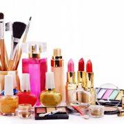 مزایا و معایب استفاده از لوازم آرایش